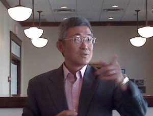Warren Liu speaks at Maggianos in Washington, DC on KFC's success in China